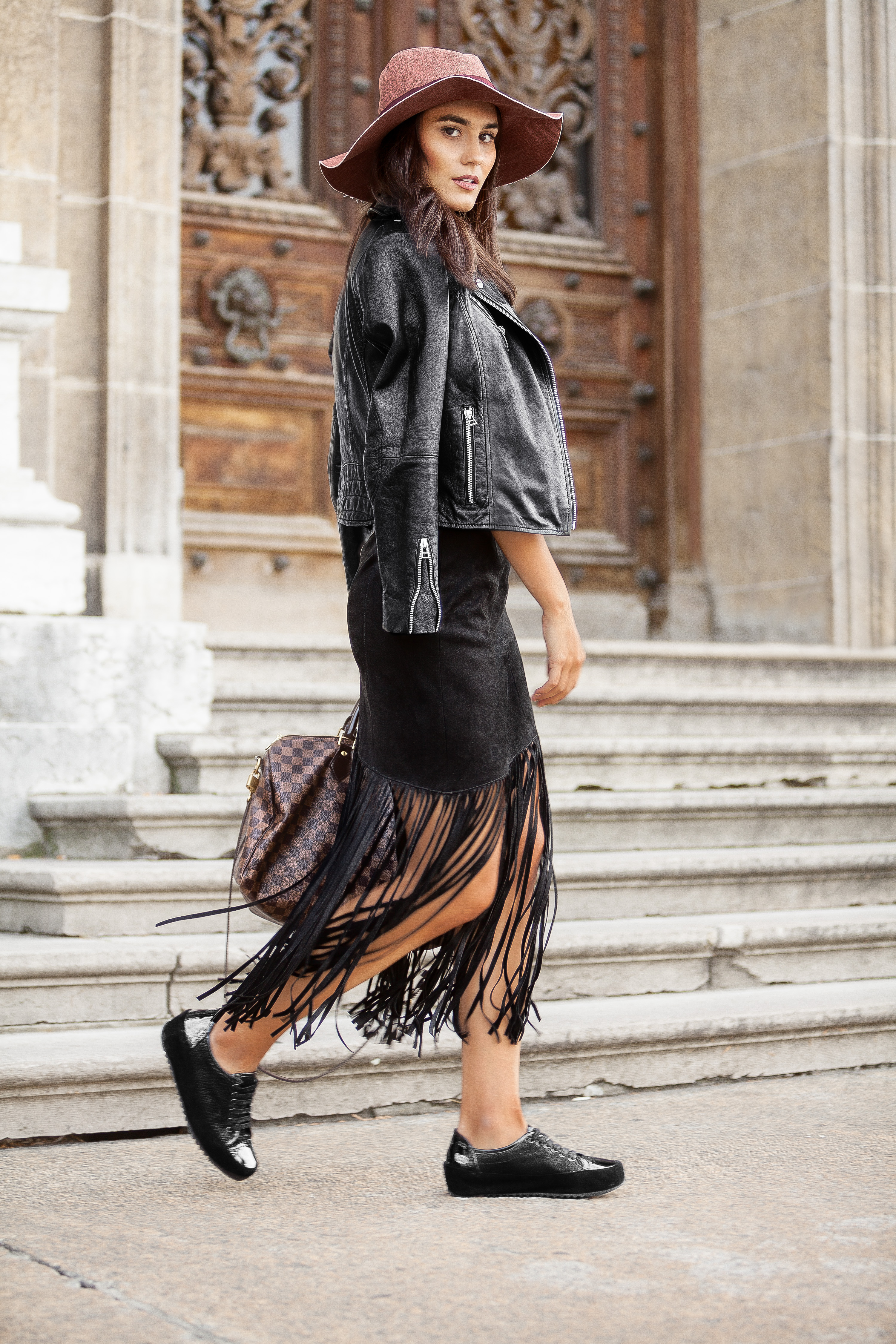 KARVAIN BLACK FRINGES